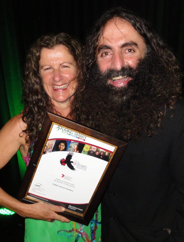 Leonie Shanahan with award